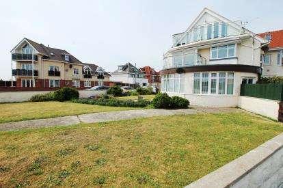 2 Bedrooms Maisonette Flat for sale in Bournemouth, Dorset