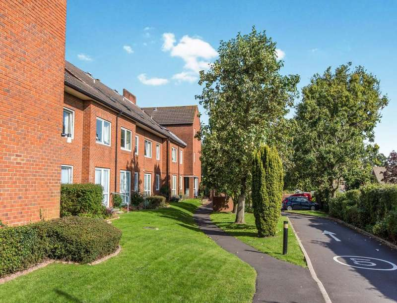 1 Bedroom Flat for sale in Homewater House, Waterlooville, PO7