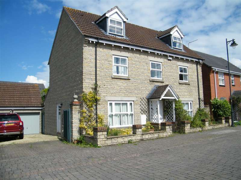5 Bedrooms Property for sale in Amberley Close, Calne
