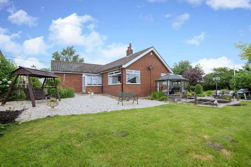 3 Bedrooms Detached Bungalow for sale in High Street, Scotton