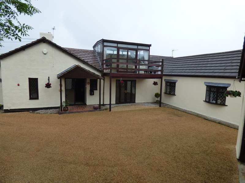 4 Bedrooms Bungalow for sale in Nabs Head Lane, Preston, Lancashire, PR5