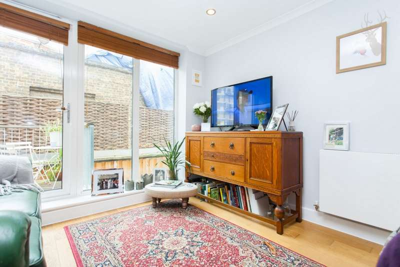 2 Bedrooms Apartment Flat for sale in Trinity Mews, Redmans Road, Stepney, E1