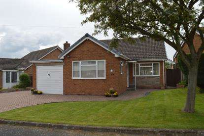 3 Bedrooms Bungalow for sale in Middleton Road, Whittington, Near Lichfield, Staffordshire