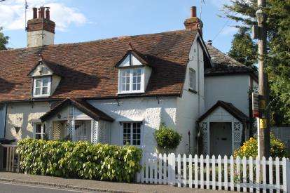 3 Bedrooms End Of Terrace House for sale in Burnham-On-Crouch, Essex