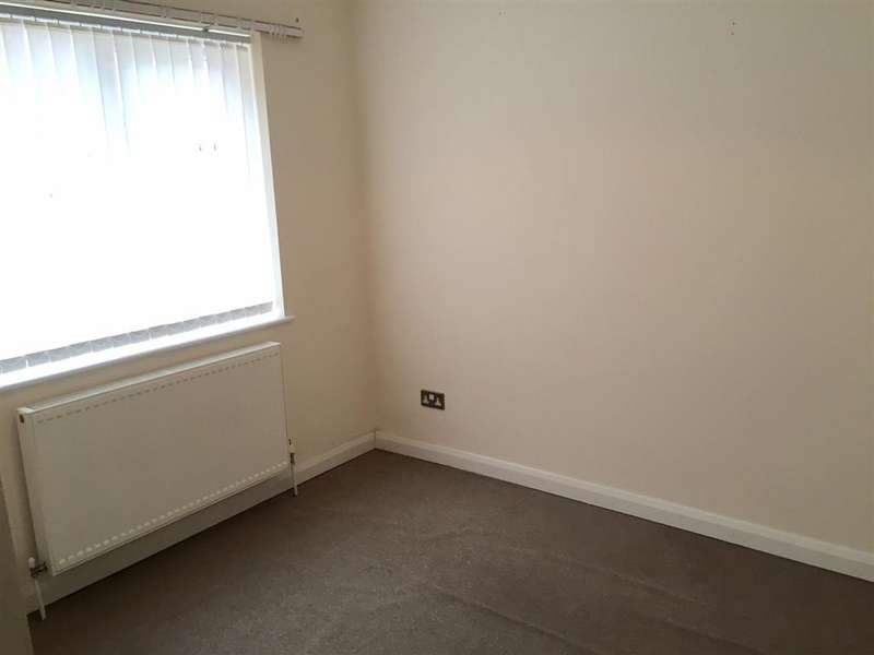 2 Bedrooms Apartment Flat for sale in Cornwall Gardens, Cliftonville, Margate, Kent