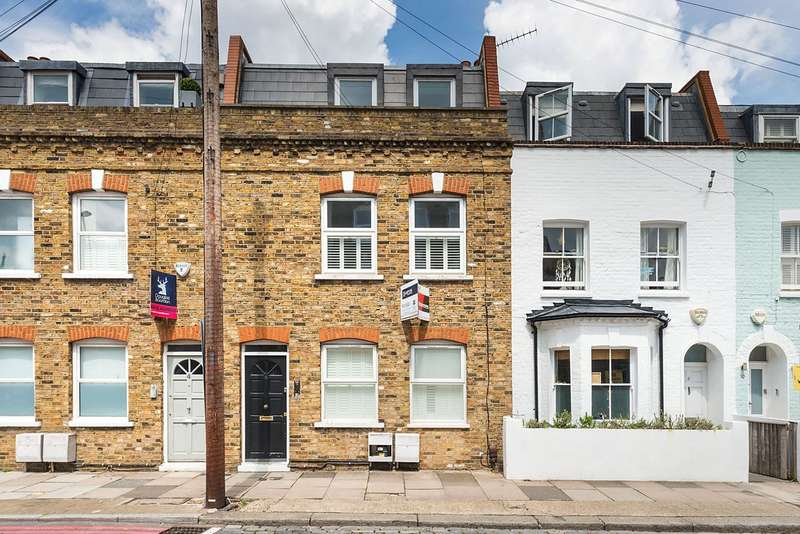 3 Bedrooms Flat for sale in Knowsley Road, Battersea, London, SW11