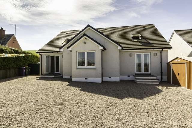 5 Bedrooms Detached Villa House for sale in Eassie, Forfar, Angus, DD8 1SR