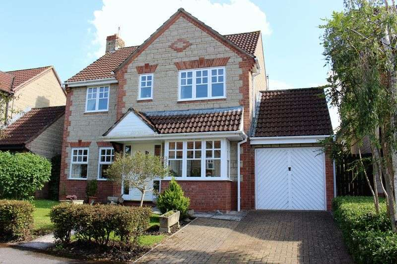 4 Bedrooms Detached House for sale in Marden Way, Calne