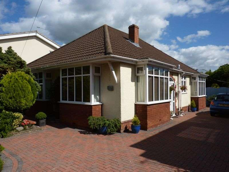3 Bedrooms Detached Bungalow for sale in Detached 1920's bungalow in West end Clevedon
