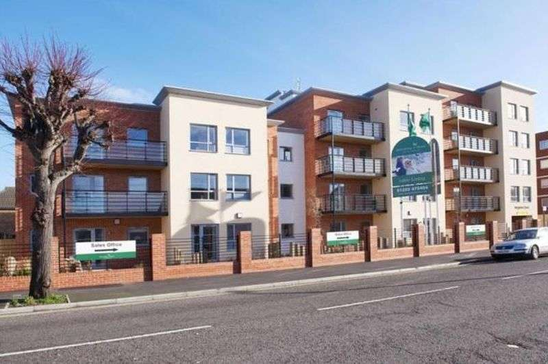 1 Bedroom Flat for sale in Kingsman Court,Carnarvon Road, Clacton-On-Sea: One bed first floor retirement apartment