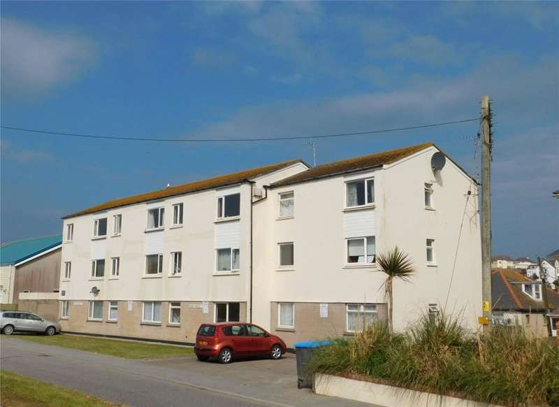 2 Bedrooms Flat for sale in Marine Court, Perranporth, Cornwall