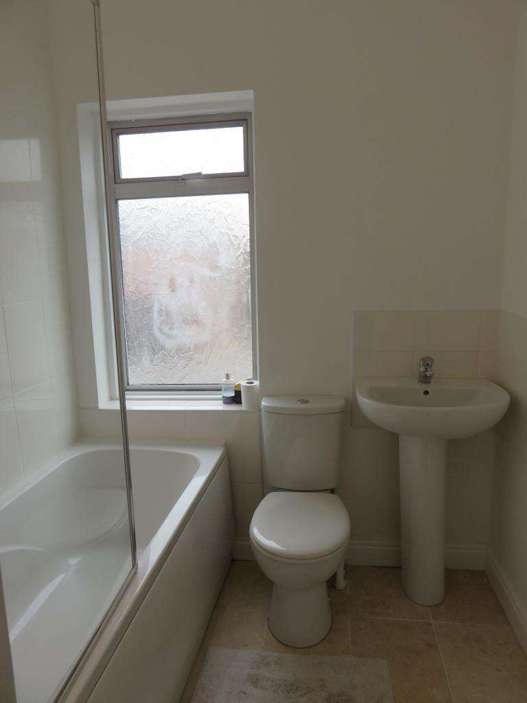 3 Bedrooms House for sale in Tennyson Avenue, HULL, HU5 3TW