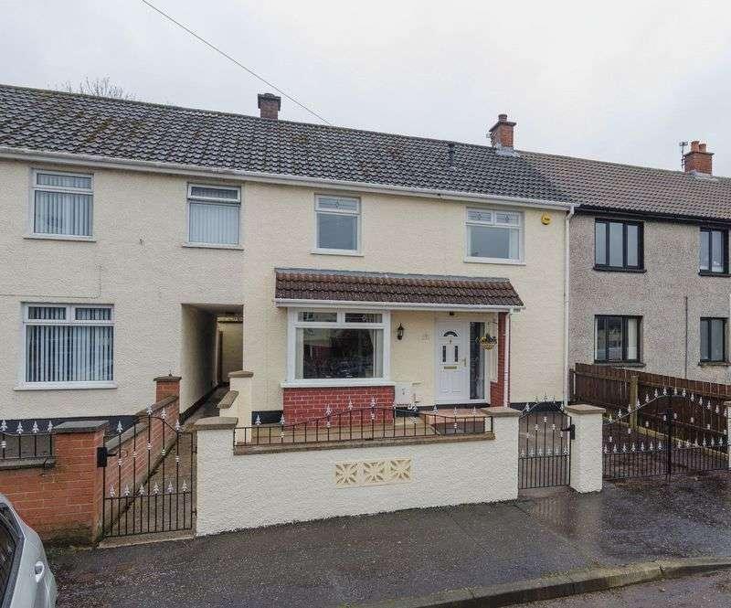 3 Bedrooms Terraced House for sale in 2 Braniel Crescent, Belfast, BT5 7JW