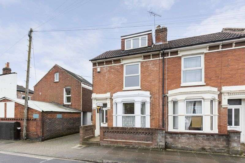 4 Bedrooms Terraced House for sale in Essex Road, Southsea