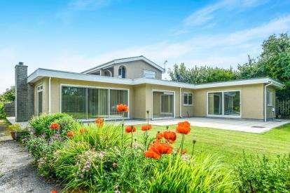 Detached House for sale in Llanfaelog, Ty Croes, Sir Ynys Mon, LL63