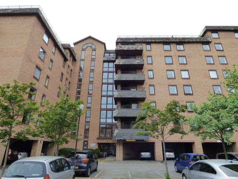 2 Bedrooms Flat for sale in Beach Road, Weston-Super-Mare