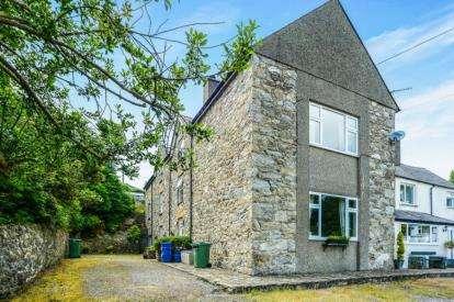 3 Bedrooms Flat for sale in The Old Rectory, Llanbedrog, Gwynedd, LL53