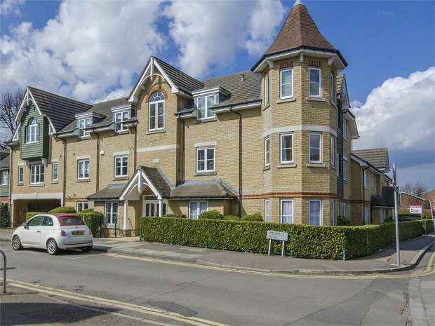 2 Bedrooms Flat for sale in Ashtree Court, East Finchley, N2