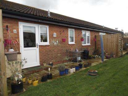 2 Bedrooms Retirement Property for sale in Great Holland, Frinton-On-Sea, Essex