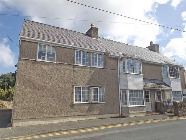 7 Bedrooms Detached House for sale in Penysarn, Anglesey