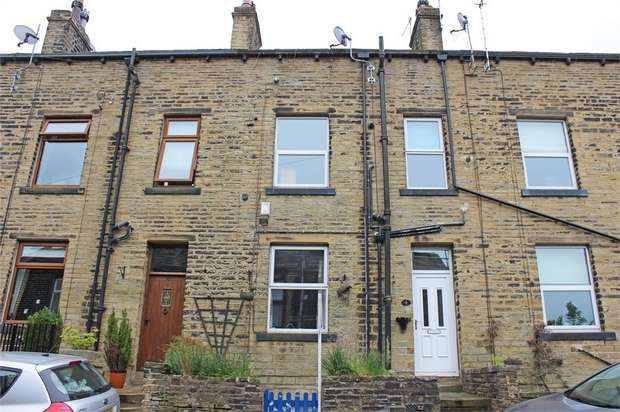 2 Bedrooms Terraced House for sale in Apple Street, Oxenhope, Keighley, West Yorkshire