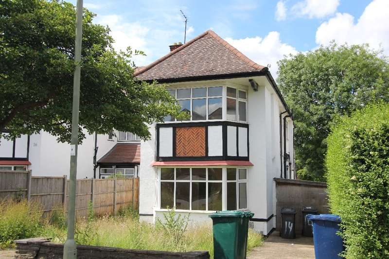 4 Bedrooms House for sale in Gresham Gardens, NW11
