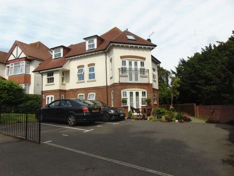1 Bedroom Flat for sale in Foxholes Road, Bournemouth