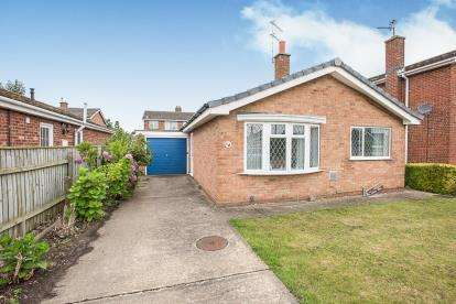 2 Bedrooms Bungalow for sale in Lancaster Drive, Coningsby, Lincoln, Lincolnshire