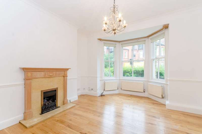 3 Bedrooms House for sale in Platts Lane, Hampstead, NW3