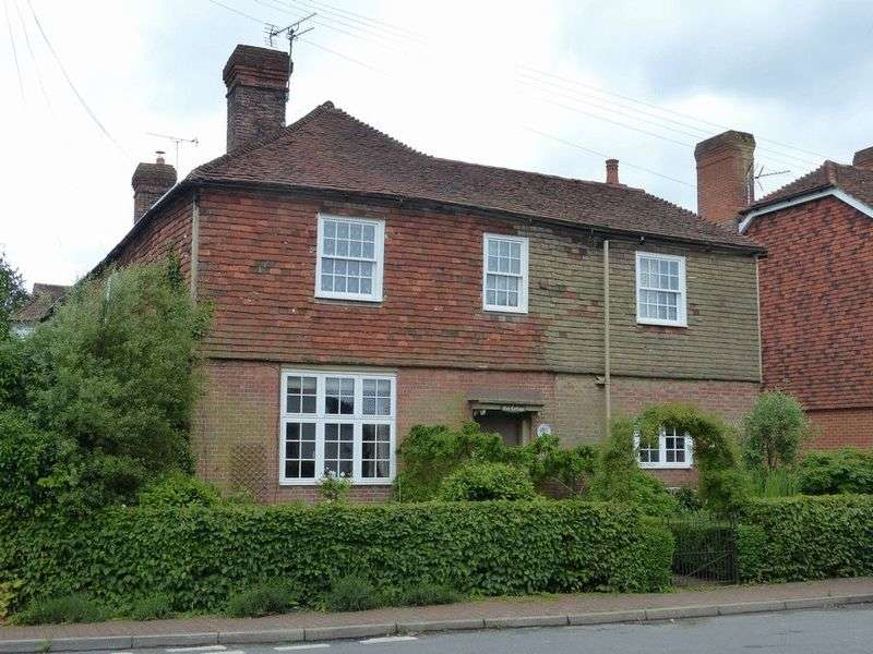 3 Bedrooms Property for sale in The Street, Sissinghurst
