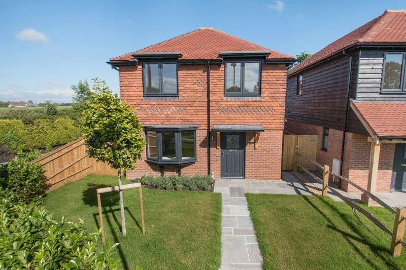 3 Bedrooms Detached House for sale in The Straight, Birdham