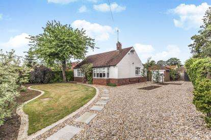 2 Bedrooms Bungalow for sale in Staindrop Road, Darlington