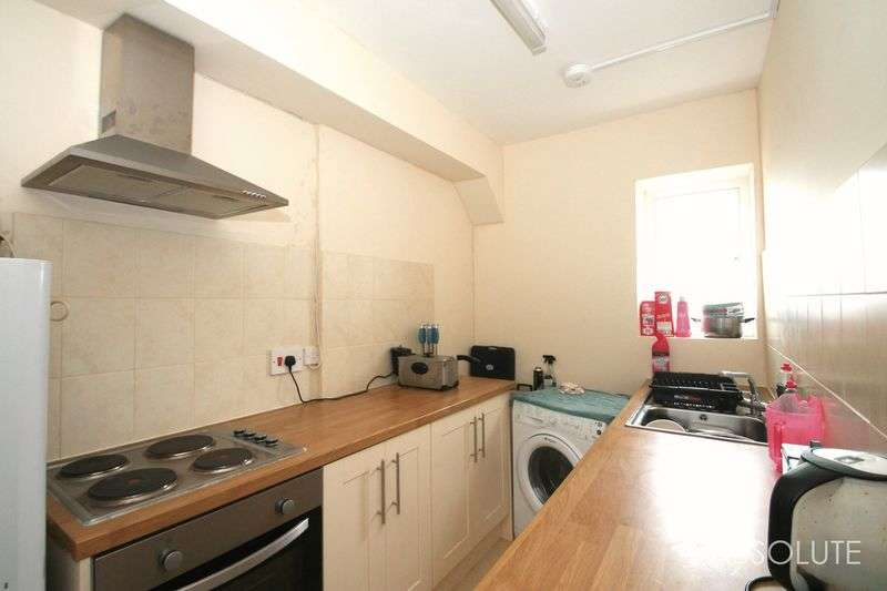 2 Bedrooms Flat for sale in Fore Street, Torquay