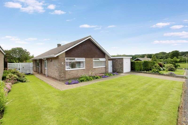 3 Bedrooms Detached Bungalow for sale in Barmoor Close, Scarborough