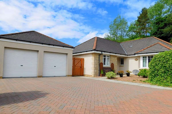 4 Bedrooms Bungalow for sale in Robert Wilson Grove, Townhill, Dunfermline, KY12