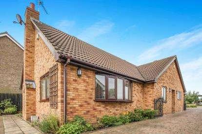 3 Bedrooms Bungalow for sale in Wicken, Ely, Cambridgeshire
