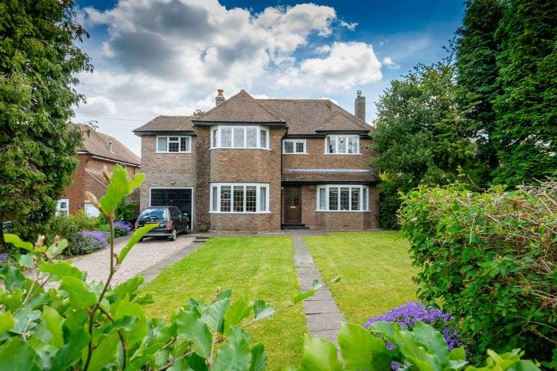 4 Bedrooms Detached House for sale in Elliotts Lane, Codsall, Wolverhampton