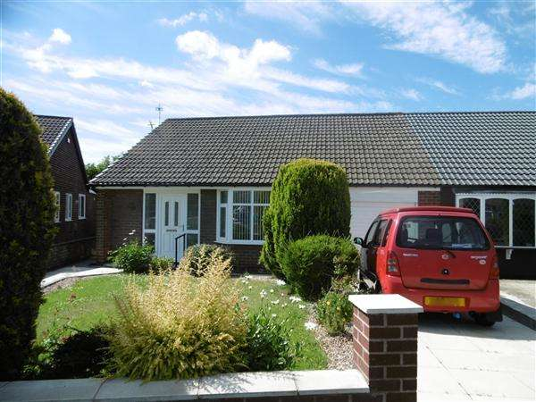 3 Bedrooms Bungalow for sale in Chestnut Drive South, Leigh