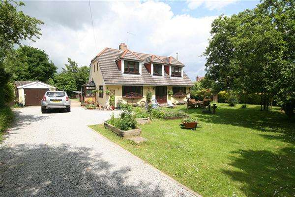 4 Bedrooms Chalet House for sale in Bloxworth, Wareham