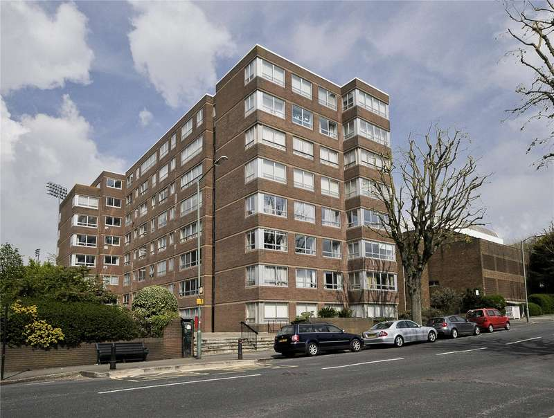 2 Bedrooms Flat for sale in Sussex Court, Eaton Road, Hove, East Sussex, BN3