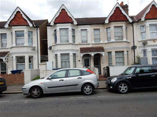 Semi Detached House for sale in Oswald Road, Southall