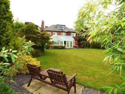 6 Bedrooms Detached House for sale in The Highway, Hawarden, Deeside, Flintshire, CH5