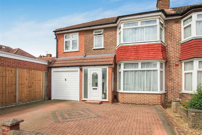 4 Bedrooms Semi Detached House for sale in Ladycroft Walk, Stanmore