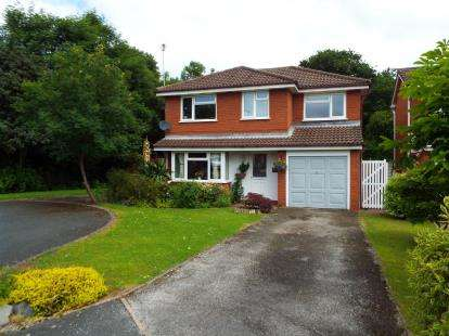 House for sale in Melford Close, Crewe, Cheshire