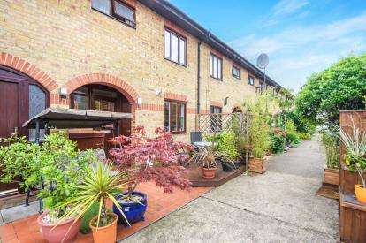 3 Bedrooms Terraced House for sale in Harold Road, London, Crouch End, Harringey