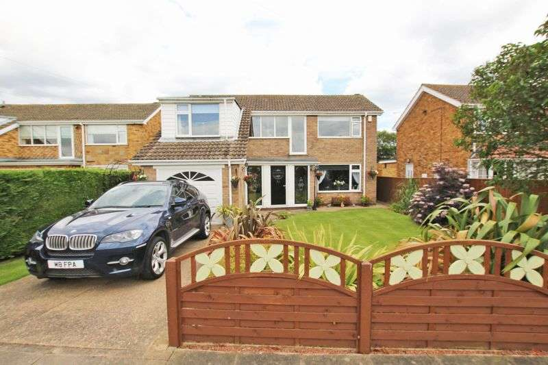 4 Bedrooms Detached House for sale in FAIRWAY COURT, CLEETHORPES