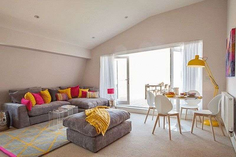 2 Bedrooms Flat for sale in Lower Mill Lane, Cirencester