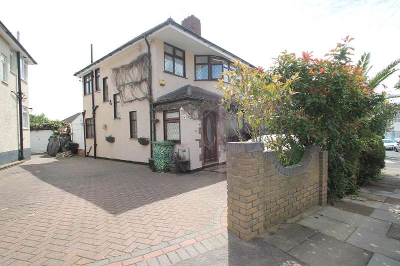 3 Bedrooms Semi Detached House for sale in BRUNSWICK GARDENS, HAINAULT