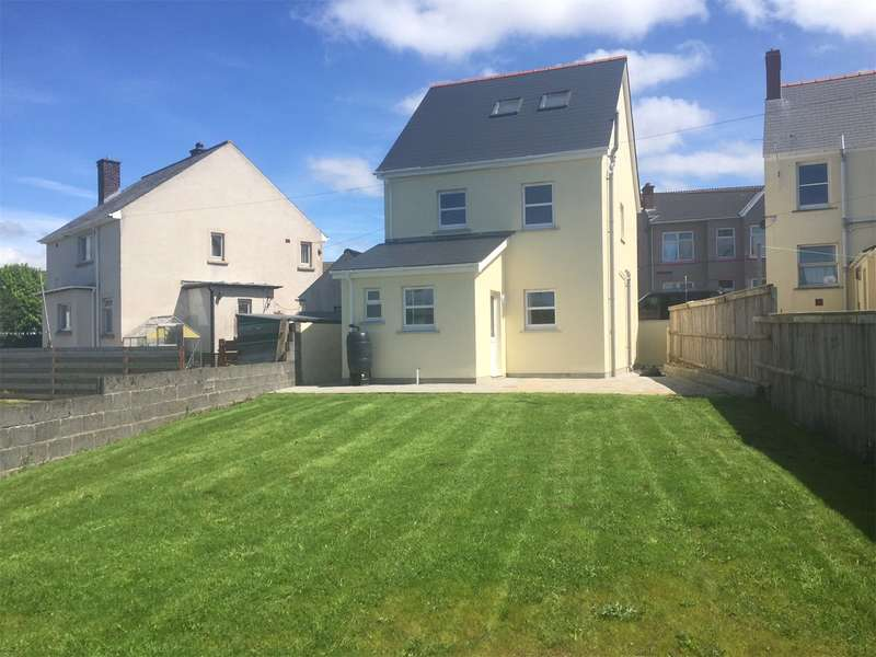 3 Bedrooms Detached House for sale in 4a, Starbuck Road, Milford Haven, Pembrokeshire