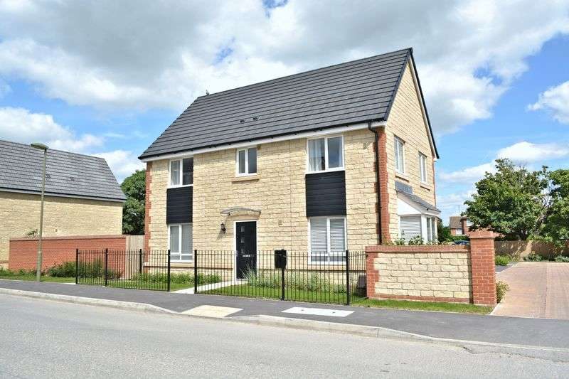4 Bedrooms Detached House for sale in Cherry Tree Road, Didcot